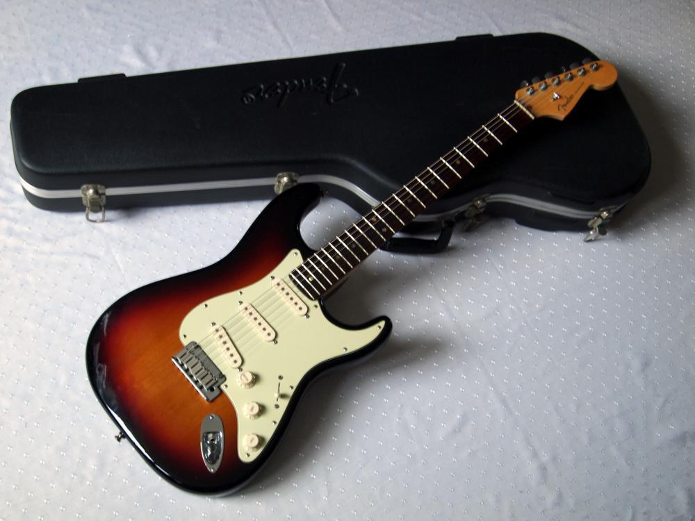 fender-stratocaster-american-deluxe-snb-1.jpg
