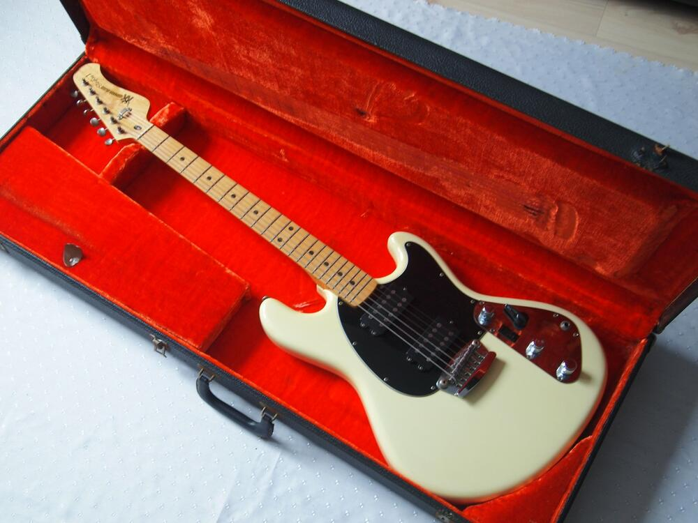 MusicMan-guitar-1977.jpg