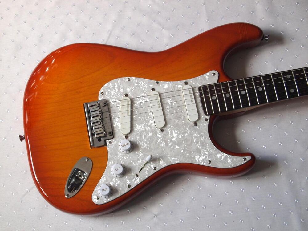 Fender-STR-850-LS.jpg
